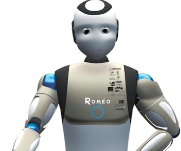 Le robot Romeo d'Aldebaran Robotics se présente pour la première fois devant une caméra