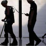 Les exosquelettes en voie de démocratisation - Reportage BBC sur les exosquelettes médicaux
