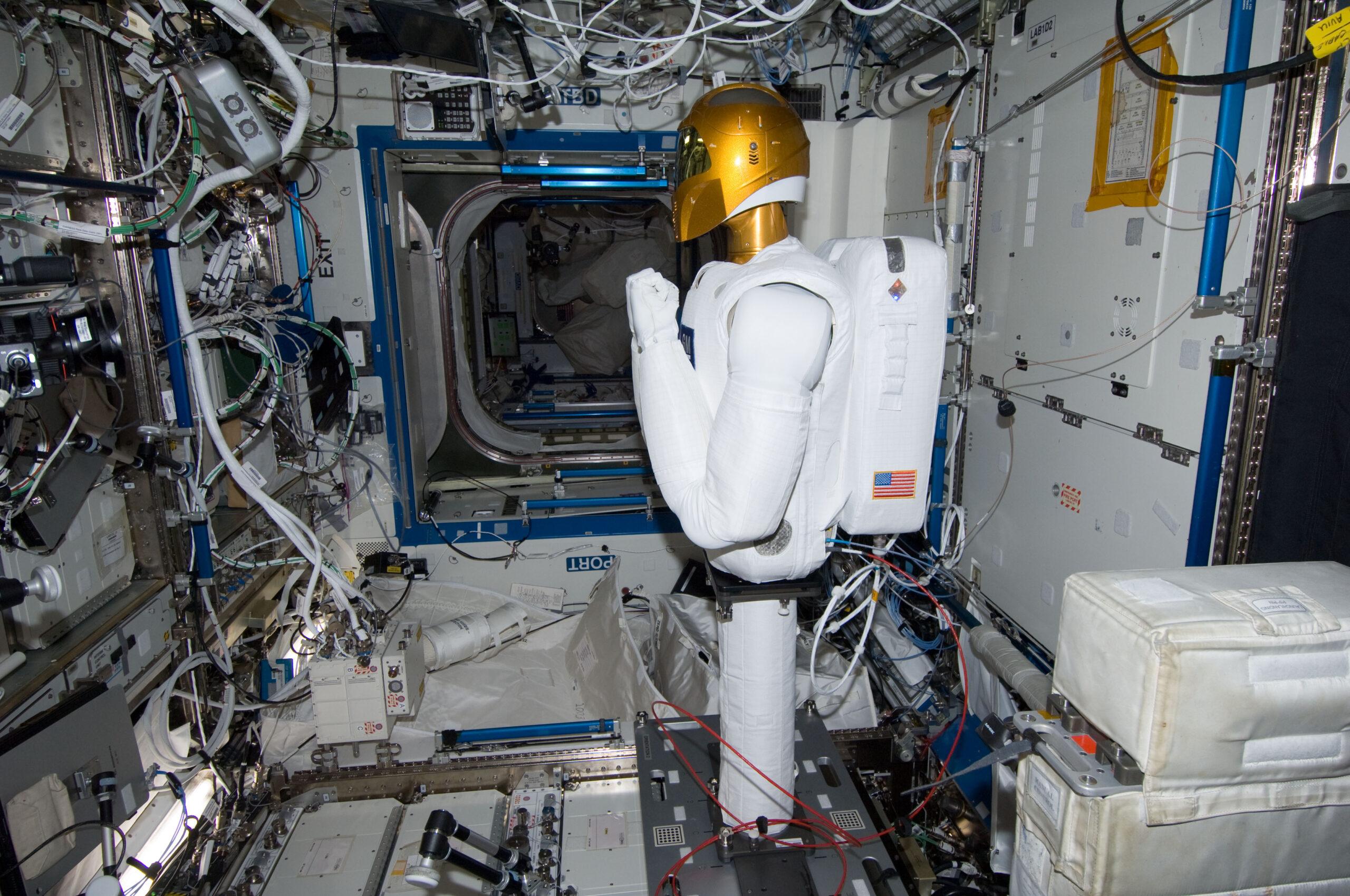 Le robot spatial Robonaut 2 – R2 – continue sa mission à bord d'ISS