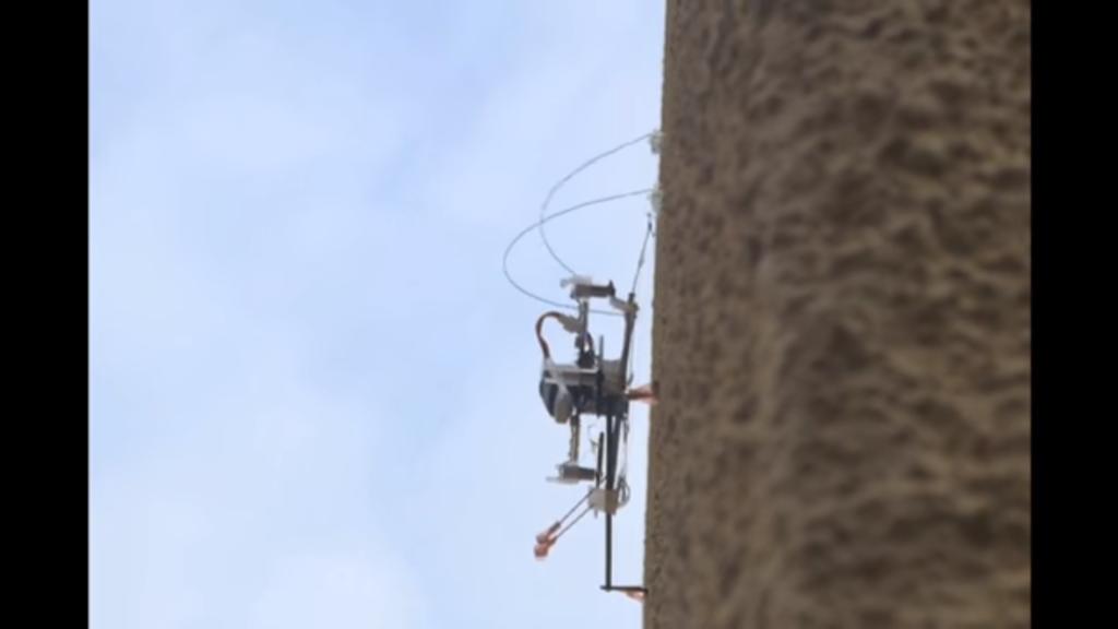 Voler et escalader est maintenant possible pour les robots
