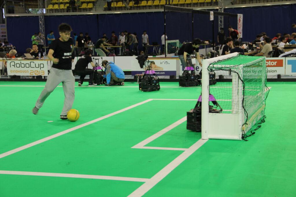 Humains contre Robots lors de la Robocup 2016
