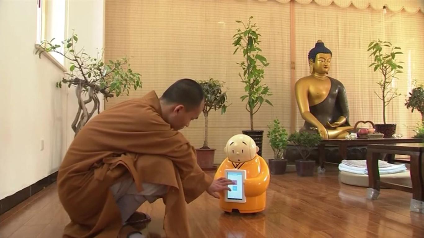 Un robot bouddhiste attire les fidèles !