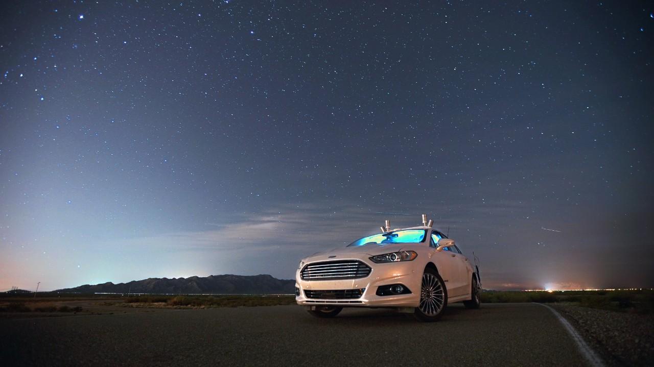 Une voiture autonome sans phares et sans éclairage pour Ford !