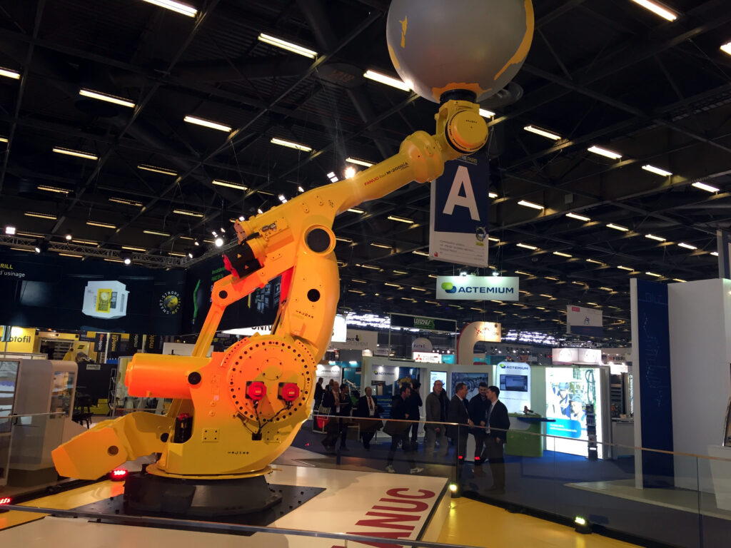 Fanuc et Kuka au salon de l'industrie, la communication 4.0 !