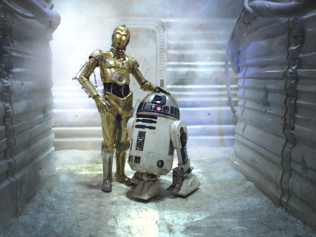 R2D2 et C6PO, deux robots de fiction qui vont changer à jamais notre vision du futur - Image : Gordon Tarpley