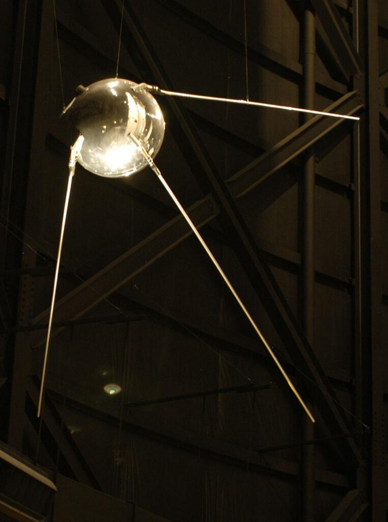 Spoutnik fut le premier engin automatisé à quitter la Terre - Wikimedia Commons