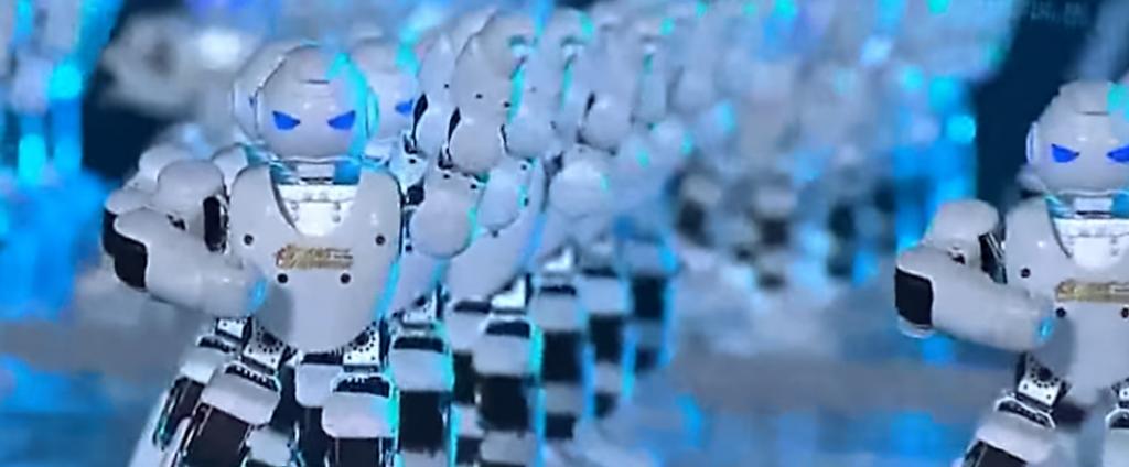 540 robots dansent ensemble pour un record du monde !