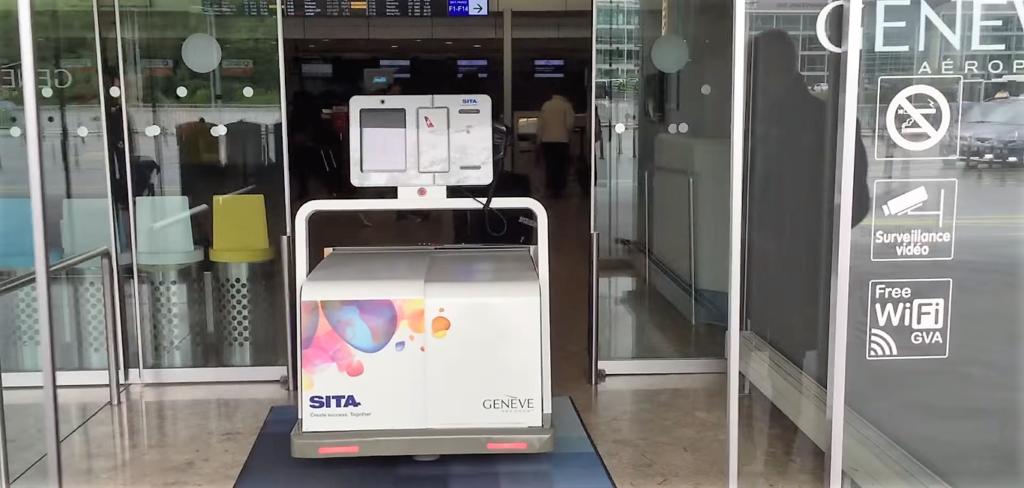 LEO, robot bagagiste, prend ses fonctions à l'aéroport de Genève
