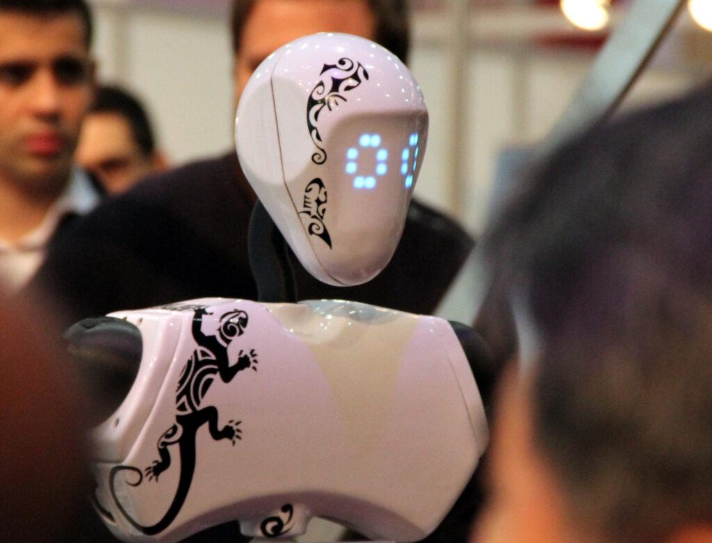[Innorobo] Tiki, un robot d'accueil et d'événementiel