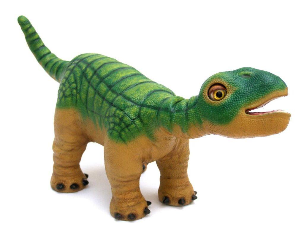 Pleo, un robot dinosaure aux principes d'Aibo pour un prix 10 fois moindre.
