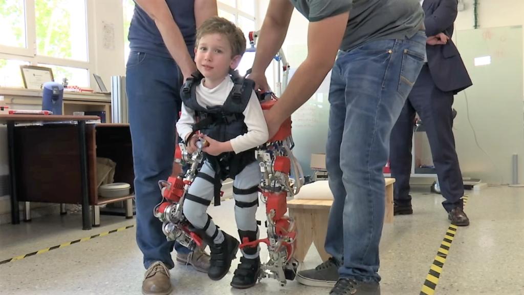 Un exosquelette pour les enfants atteints d'amyotrophie spinale