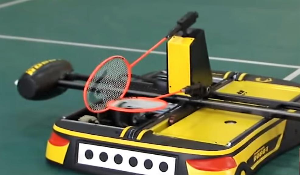 Robomintoner, notre nouveau partenaire au badminton !