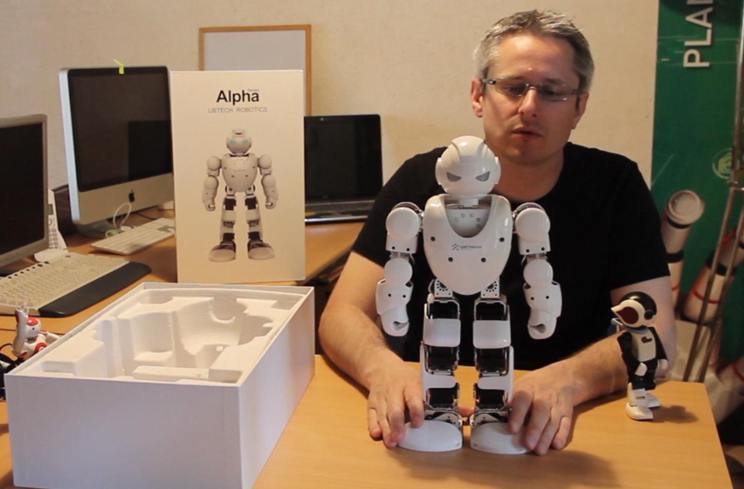 [Vidéo] Déballage de l'Alpha 1S de UBTECH