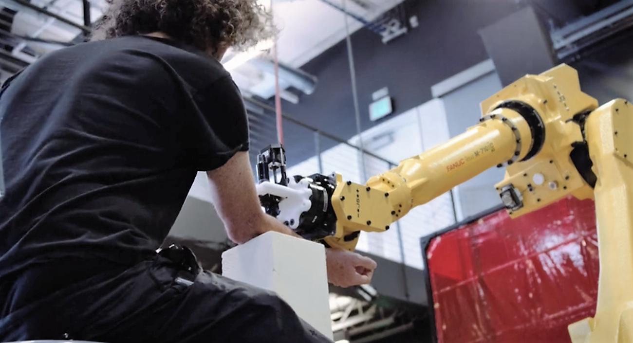 Robot tatoueur - Planete Robots