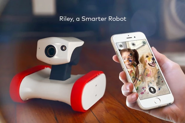 Riley - robot connecte - Camera
