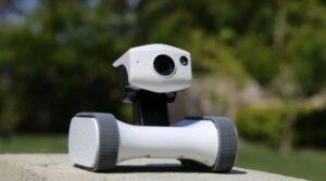 Riley - robot connecte - Camera