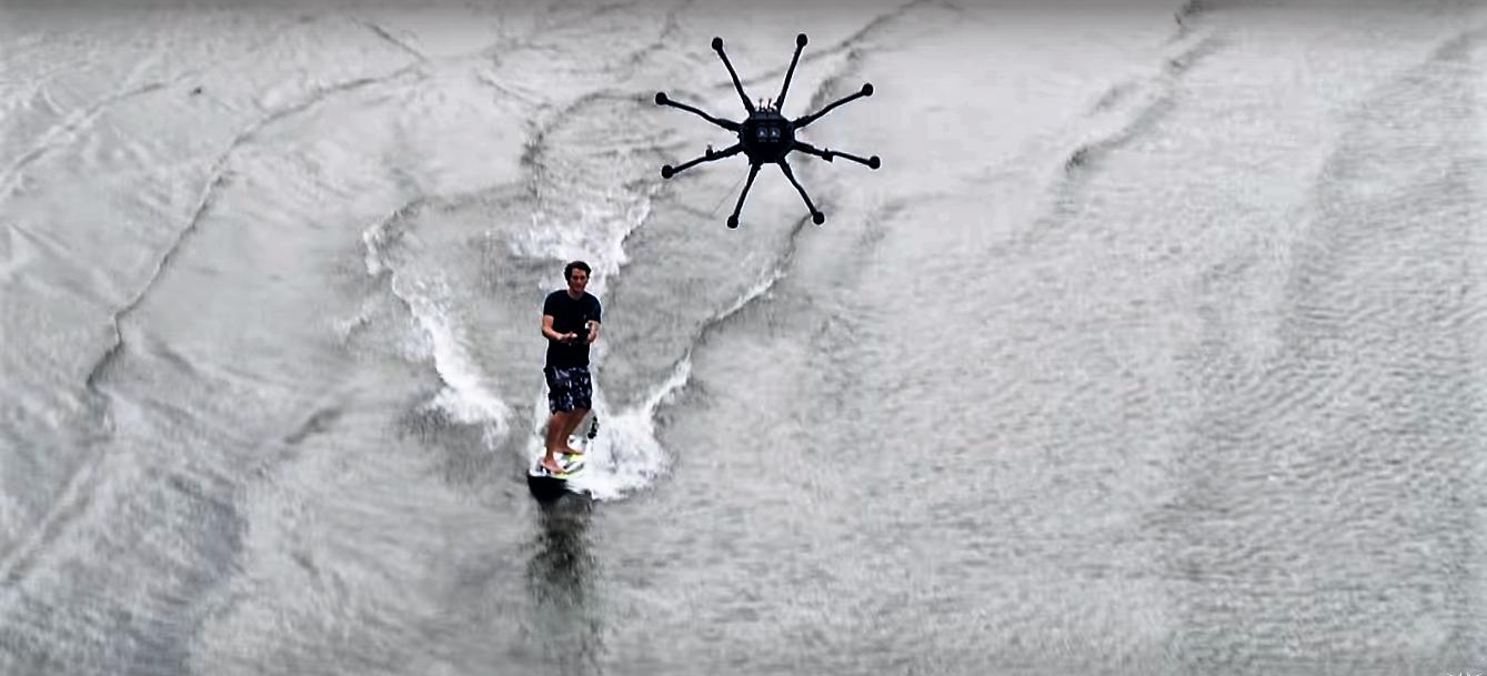 Le drone surfing, le sport du futur ?