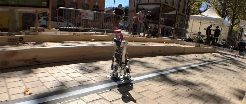 """""""Turbot"""" sort gagnant de la Toulouse Robot Race"""