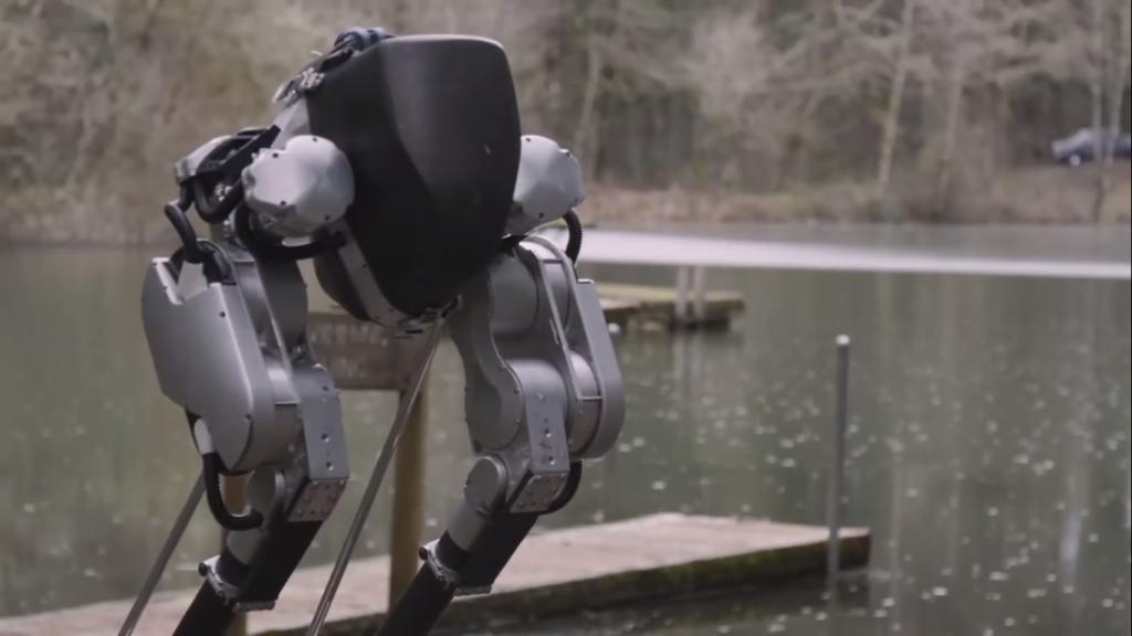Cassie un robot bipède avec une dynamique de marche humaine