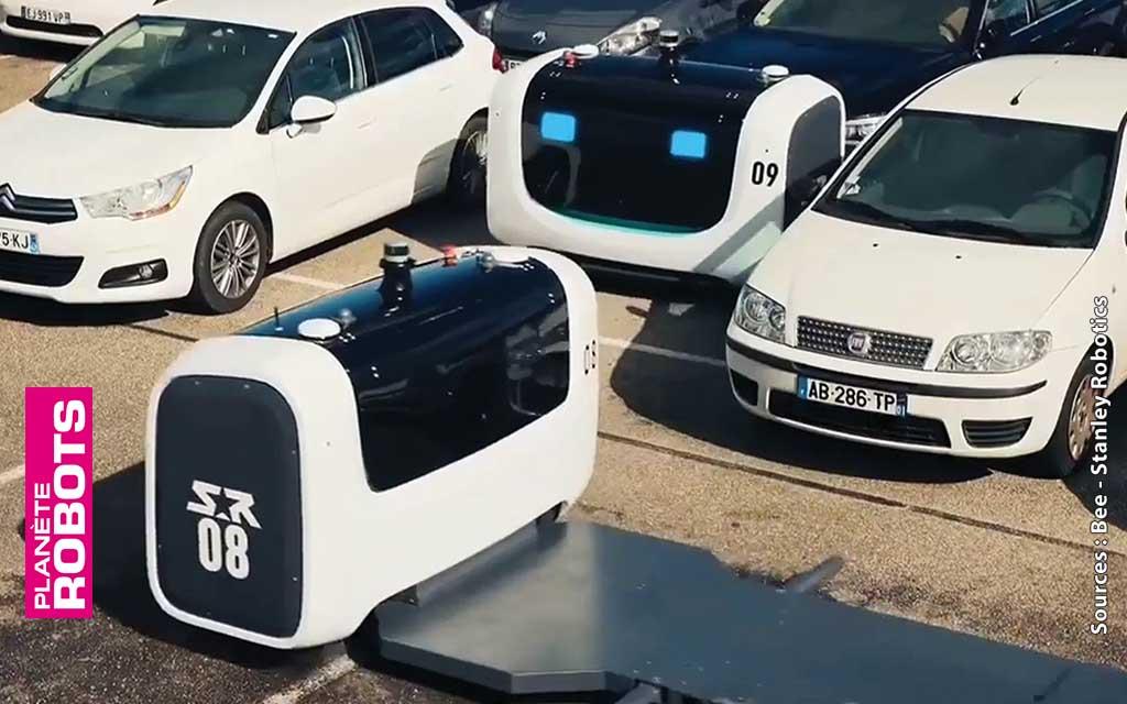 Des robots placent et se croisent sur le parking