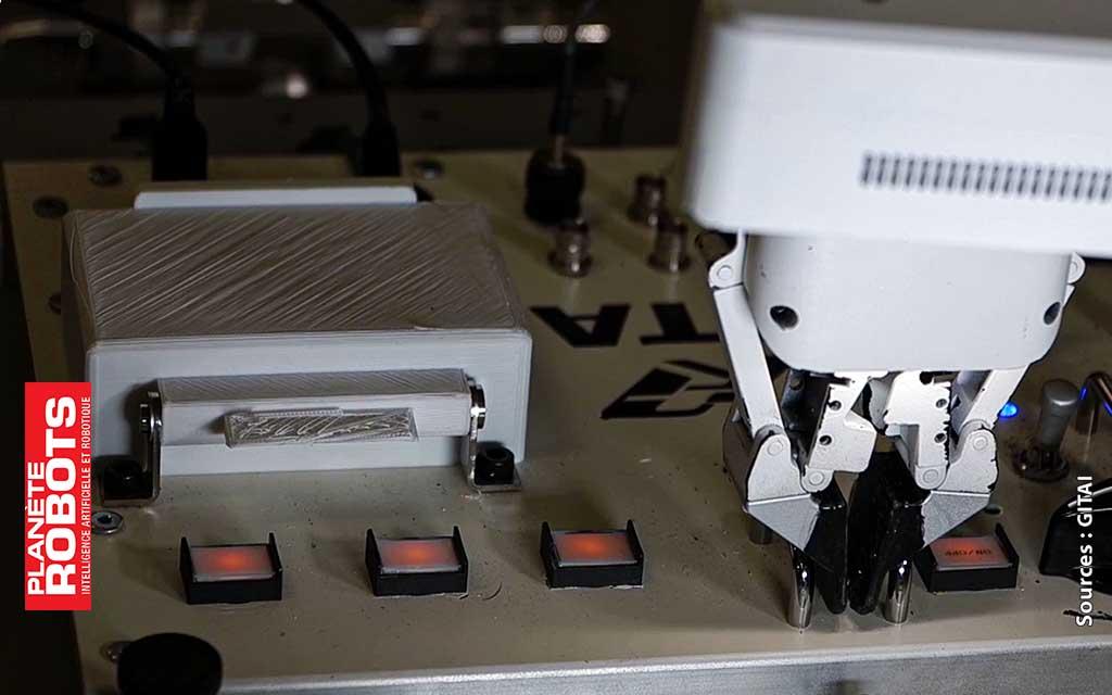 Gros plan sur un détail d'une pince du robot GITAI