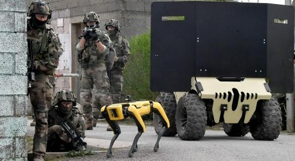 Défi CohoMa, l'armée fédère les acteurs de la robotique