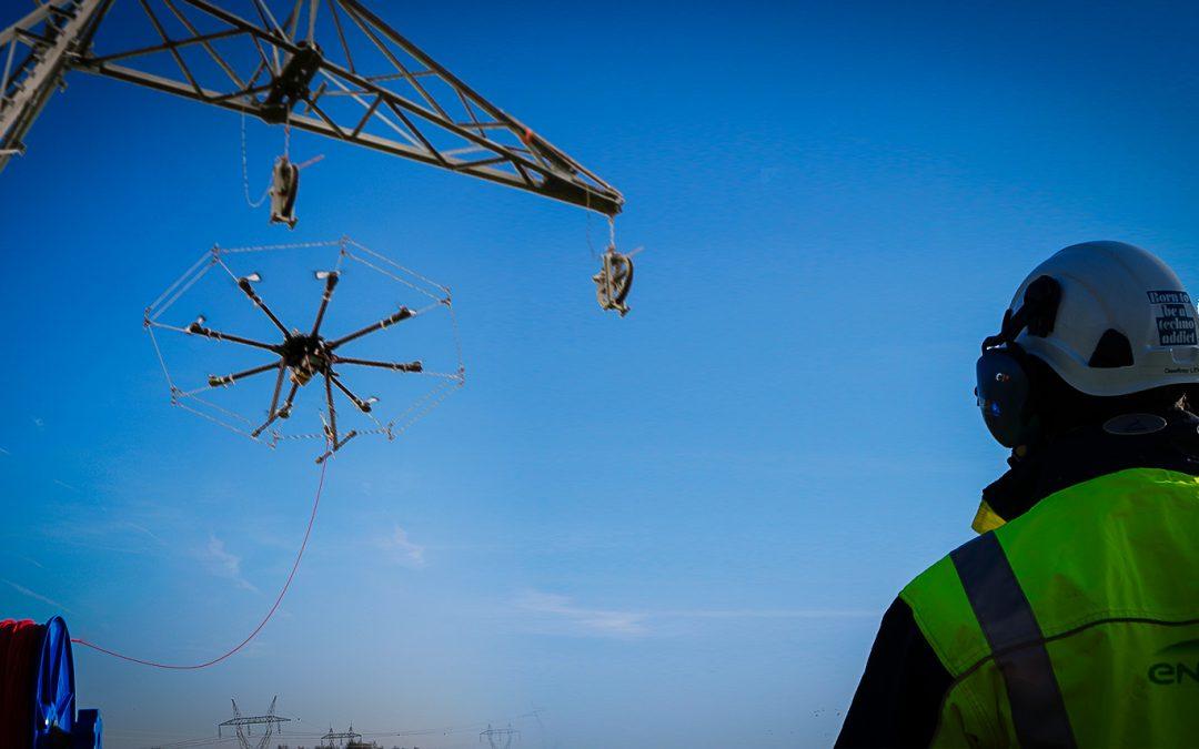 Un Rolling Drone pour une installation de lignes à Très Haute Tension