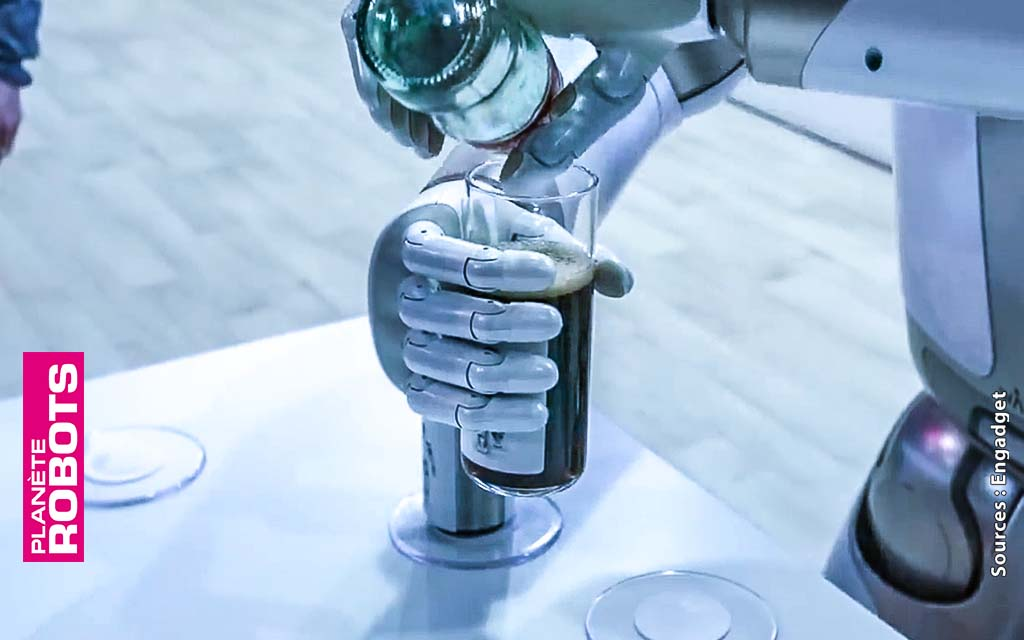 La dextérité de Walker le robot humanoïde de chez Ubtech